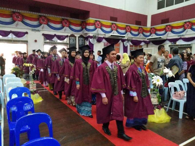 103 Pelajar Tingkatan Lima Dan 29 Calon Cemerlang Spm Terima Anugerah Di Mrsm Betong Sarawakvoice Com