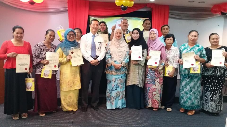 Jamilah Sampaikan Kanopi Uptown Tjg Datu Jumpa Ibu Tunggal Rai Perpindahan Pengetua Smk Lundu Sarawakvoice Com