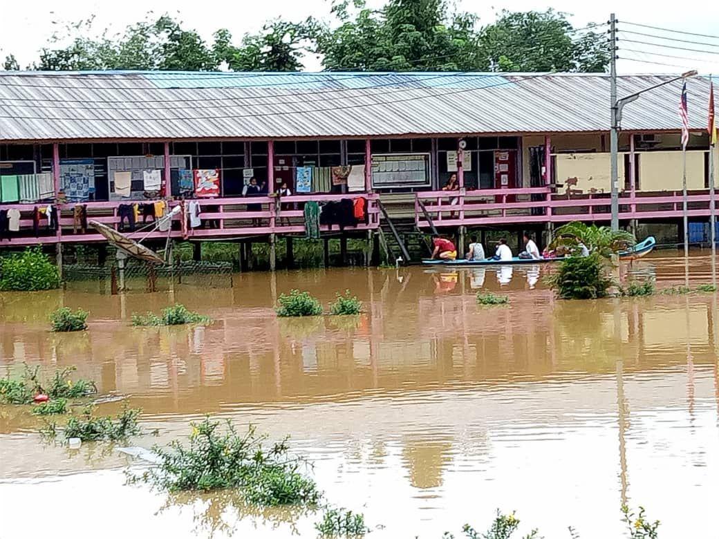 Banjir Sekolah Di Selangau Sediakan Dua Perahu Sarawakvoice Com